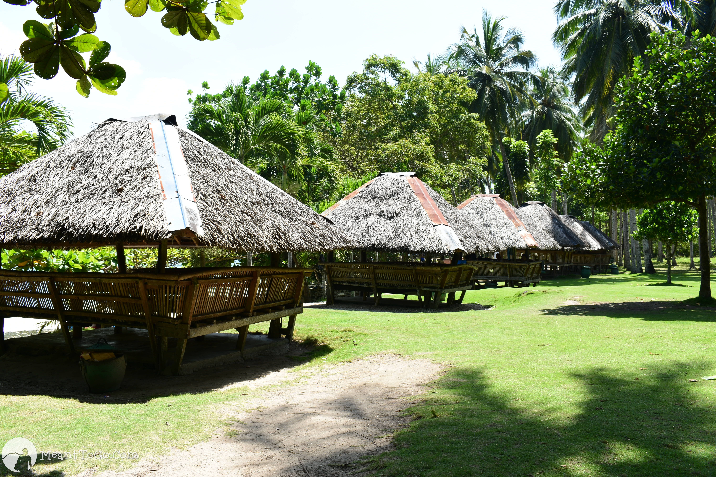Open cottages at Isla Reta, Samal Island
