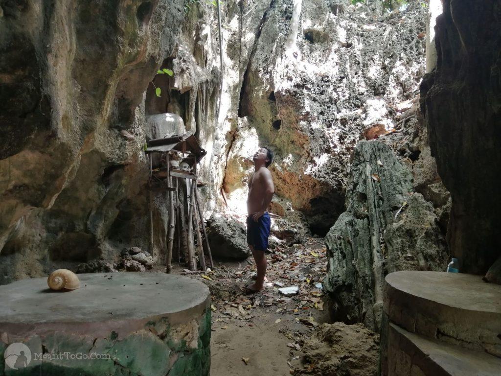 Cave at Skull Cove, Carnaza Island